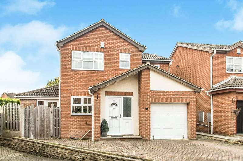4 Bedrooms Detached House for sale in Rembrandt Avenue, Tingley, Wakefield, WF3