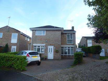 4 Bedrooms Detached House for sale in Carey Way, Olney, Milton Keynes, Bucks