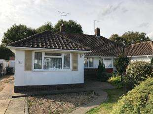 3 Bedrooms Bungalow for sale in Brookside Ave, Polegate, East, Sussex