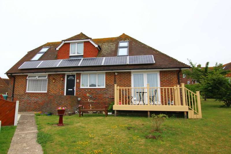 5 Bedrooms Detached House for sale in Micheldene Road, Eastbourne, BN20 0JU