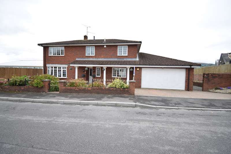 4 Bedrooms Detached House for sale in off Woodland Road, Croesyceiliog, Cwmbran, NP44