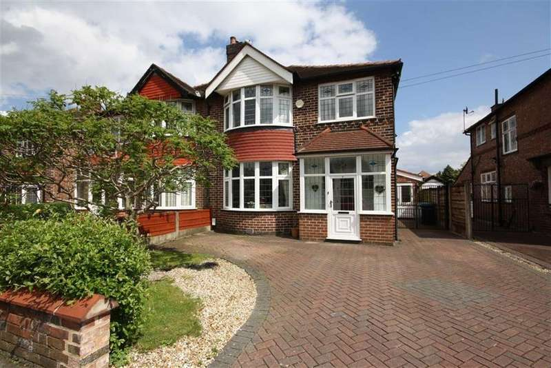 3 Bedrooms Semi Detached House for sale in Hunston Road, Sale