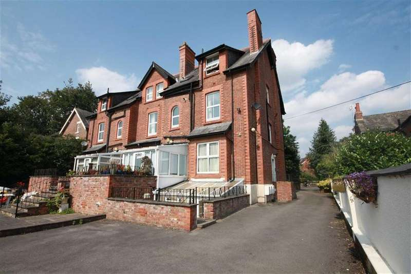 2 Bedrooms Flat for sale in Northenden Road, Sale