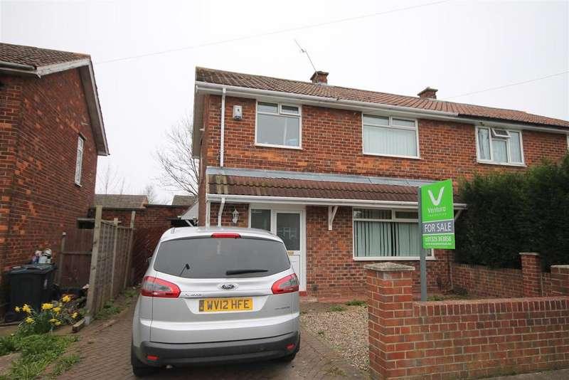 3 Bedrooms Semi Detached House for sale in Hutton Avenue, Darlington