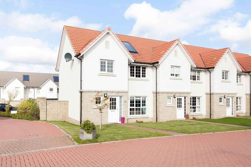 3 Bedrooms Villa House for sale in North Platt Gardens, Ratho, Edinburgh, EH28 8JU