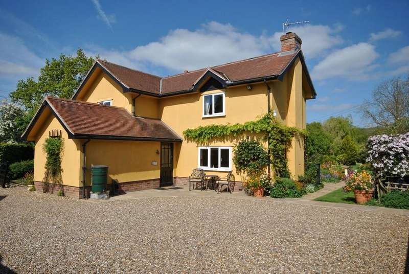 4 Bedrooms Detached House for sale in Rickinghall, Suffolk