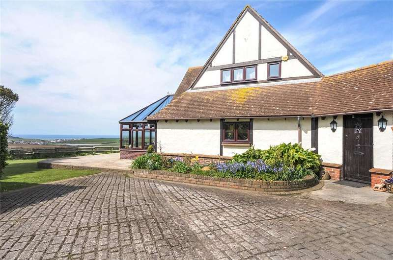3 Bedrooms Detached House for sale in Views out to sea