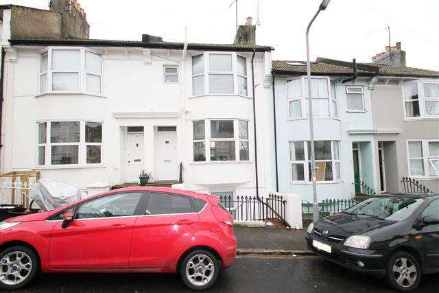 2 Bedrooms Maisonette Flat for sale in Newmarket Road, Brighton