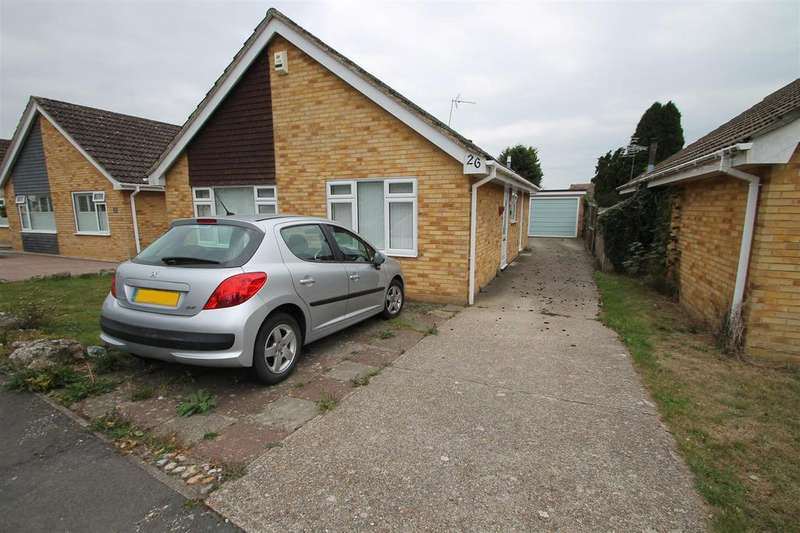 2 Bedrooms Bungalow for sale in Halstow Close, Maidstone