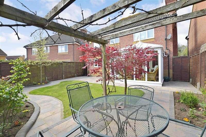 4 Bedrooms Detached House for sale in Linnet Close, Littlehampton, West Sussex