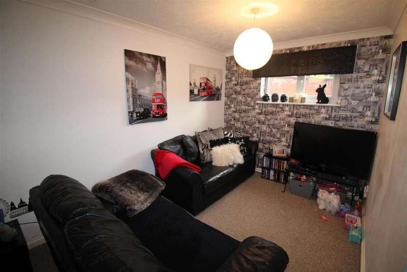 2 Bedrooms Flat for sale in Oaklands, Peterborough