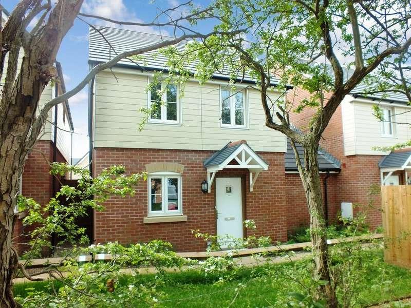 3 Bedrooms Link Detached House for sale in Watchfield