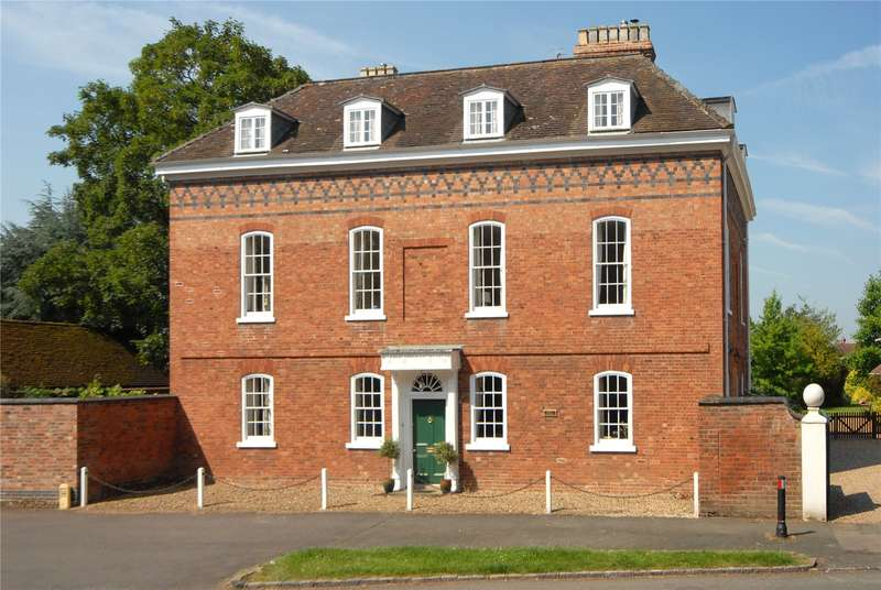 7 Bedrooms Detached House for sale in Church Street, Fladbury, Worcestershire, WR10