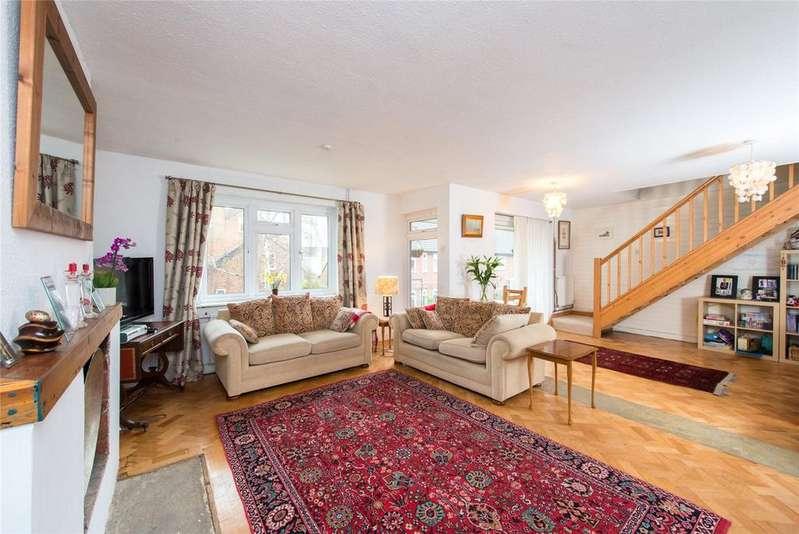 2 Bedrooms Flat for sale in Thames Village, Hartington Road, London