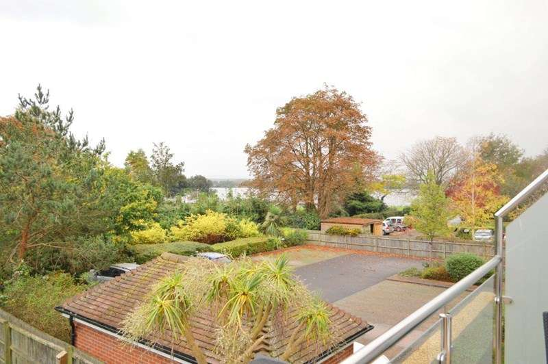 2 Bedrooms Block Of Apartments Flat for rent in Poole Park, Lower Parkstone, Poole, Dorset