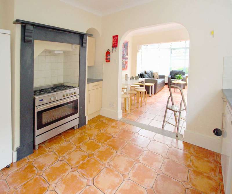 10 Bedrooms Semi Detached House for rent in Christchurch Road, Reading