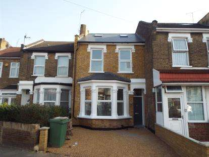 5 Bedrooms Terraced House for sale in Forest Gate, London