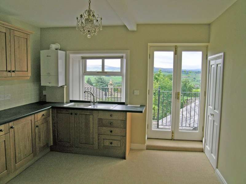 2 Bedrooms Flat for rent in Marwood House Apartment, Railway Street, Leyburn, DL8 5AY