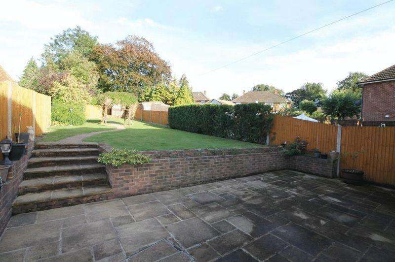 3 Bedrooms Semi Detached House for sale in GREAT BOOKHAM