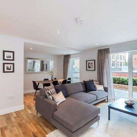 3 Bedrooms Apartment Flat for sale in B1, Shandon Gardens, 5 Weston Gait, Edinburgh, Midlothian