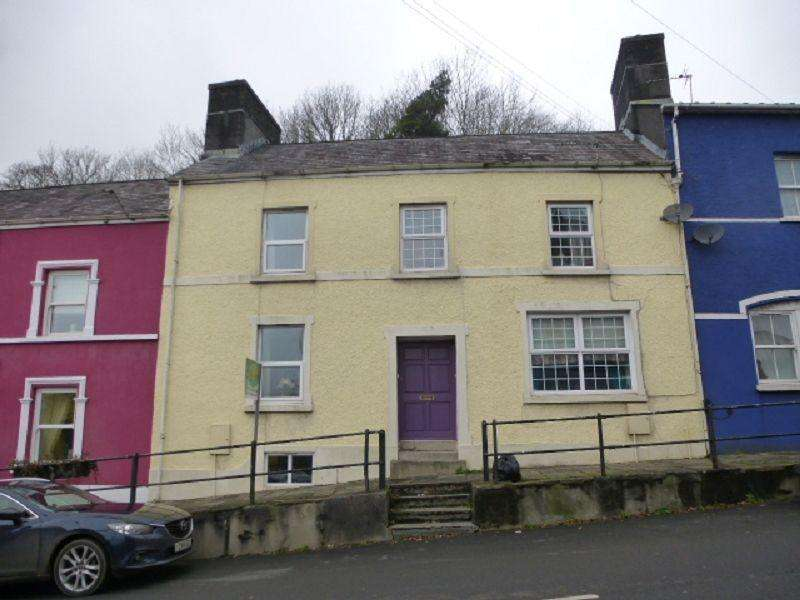 2 Bedrooms Terraced House for sale in Bridge Street, Llandeilo, Carmarthenshire.