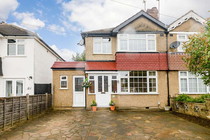 3 Bedrooms Semi Detached House for sale in Barton Way, Croxley Green, Hertfordshire