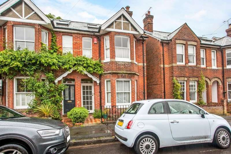 3 Bedrooms Semi Detached House for sale in Nuns Road, Hyde, Winchester, SO23