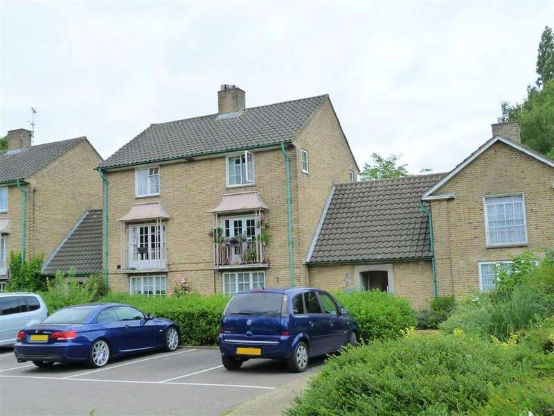 2 Bedrooms Flat for sale in Knightsfield, West Side, Welwyn Garden City