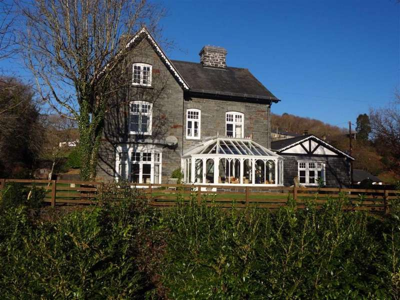7 Bedrooms Detached House for sale in Bryn Derwen, Aberangell, Machynlleth, Powys, SY20