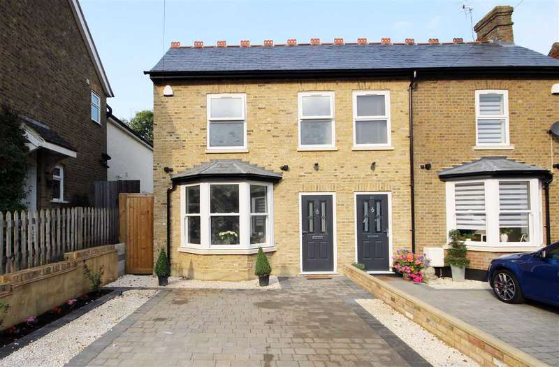 2 Bedrooms House for sale in 27 a Bournehall Road, Bushey, WD23.