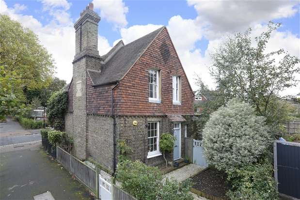 2 Bedrooms Semi Detached House for sale in Turney Road, Dulwich