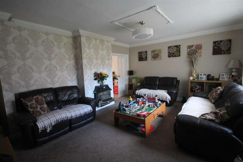 4 Bedrooms Terraced House for sale in Hereford Close, Middlesbrough