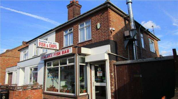 3 Bedrooms Semi Detached House for sale in Fenlake Road, Bedford