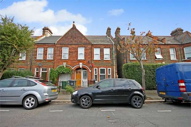 2 Bedrooms Flat for sale in Hitcham Road, Walthamstow, London