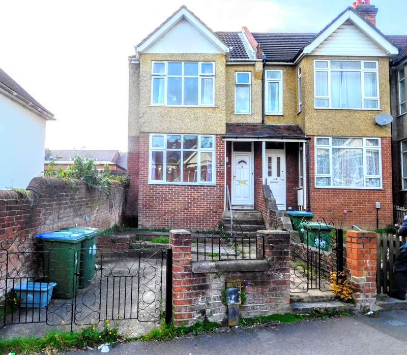 5 Bedrooms House for rent in Tennyson Road, Portswood, Southampton, SO17