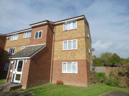 1 Bedroom Flat for sale in ., Rainham, Essex