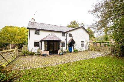 4 Bedrooms Detached House for sale in With Detached Annexe, Bodfari, Denbigh, Denbighshire, LL16