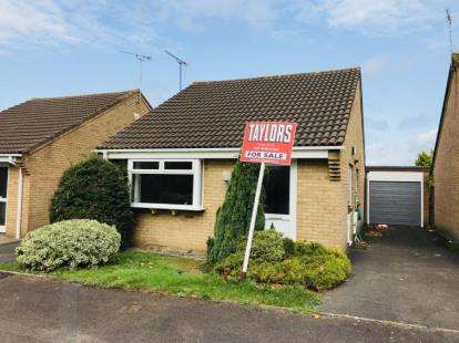 2 Bedrooms Bungalow for sale in Cambrian Drive, Yate, Bristol, Gloucestershire