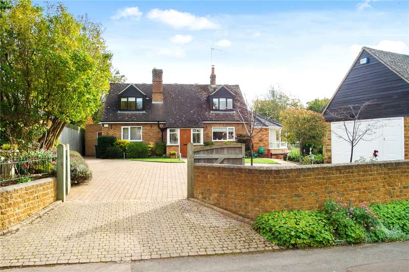 4 Bedrooms Detached House for sale in Round Close Road, Adderbury, Oxfordshire, OX17