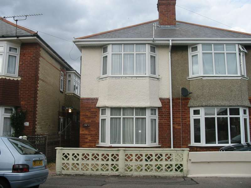 3 Bedrooms House for rent in 3 bedroom Semi Detached House in Charminster