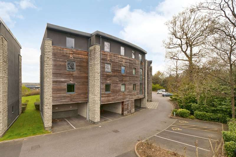 2 Bedrooms Apartment Flat for sale in Sandling Park, Maidstone, ME14