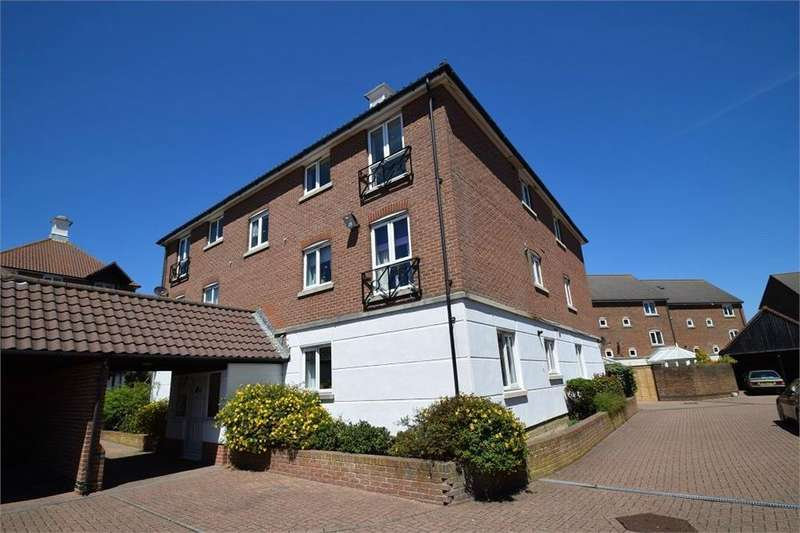 3 Bedrooms Flat for sale in Santa Cruz Drive, South Harbour, East Sussex