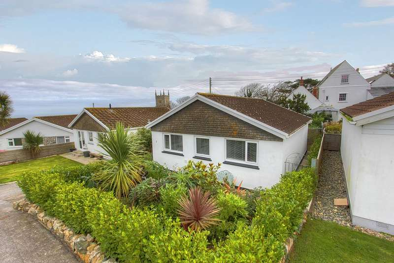 3 Bedrooms Bungalow for sale in Barrepta Close, Carbis Bay, St. Ives, Cornwall