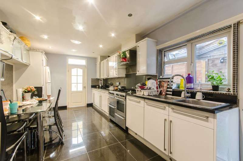 4 Bedrooms Terraced House for sale in Sandringham Road, Willesden Green, NW2