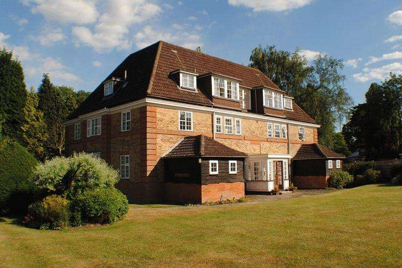 3 Bedrooms Apartment Flat for sale in WALTON ON THE HILL