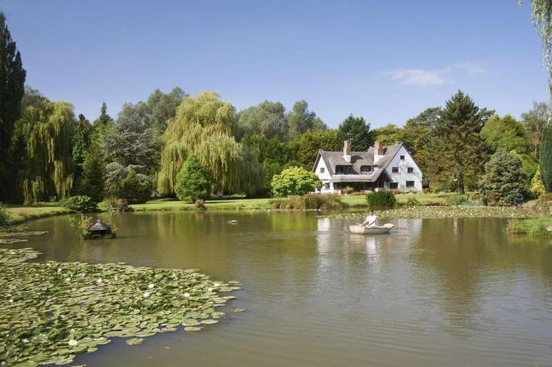 5 Bedrooms Detached House for sale in Layer-de-la-Haye