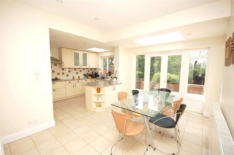 4 Bedrooms Semi Detached House for sale in Lyndhurst Gardens Finchley London N3