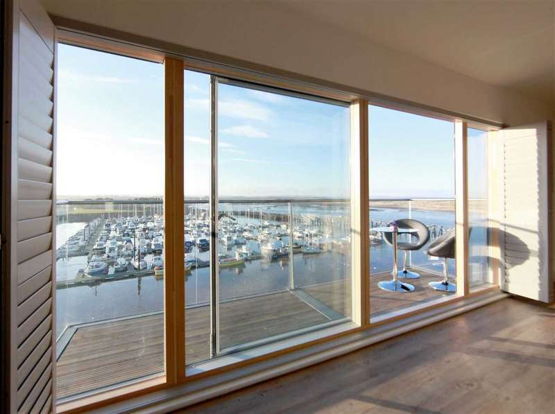 3 Bedrooms Apartment Flat for sale in 3 Coble Quay, Amble, on the stunning Northumberland coast, NE65 0DJ
