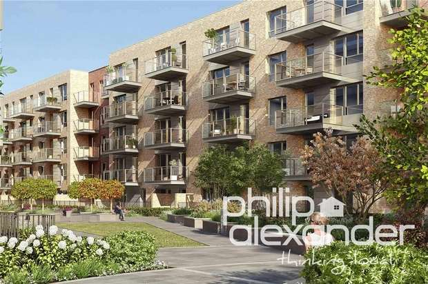 2 Bedrooms Flat for sale in Hamlet Court, Smithfield Square, Hornsey, N8