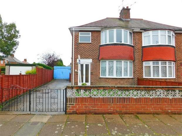 3 Bedrooms Semi Detached House for sale in Lichfield Road, Doncaster, South Yorkshire